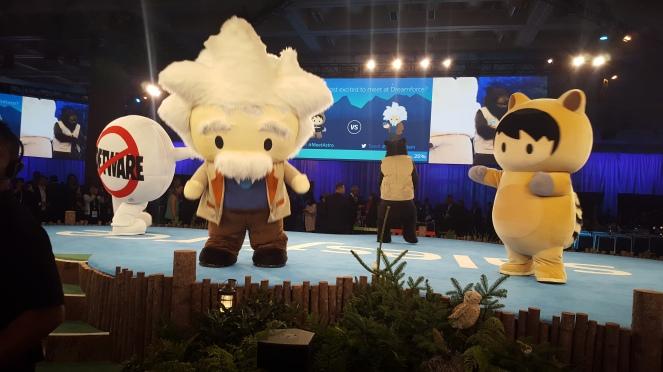 mascots1.jpg